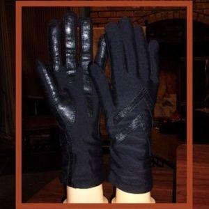 Black Isotoner Gloves